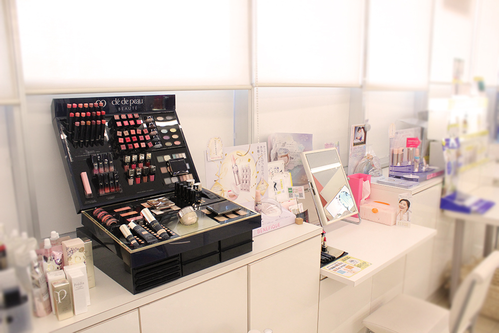 cosmetic Room 店内